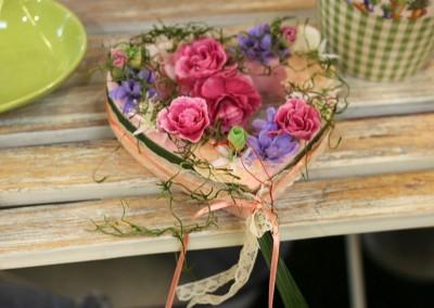 Dekoartikel aus der Frühjahrsaustellung 2013 - Blumengesteck in Herzform