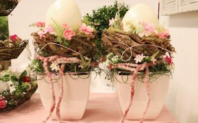 Dekoartikel aus der Ostern-Nostalgie-Kollektion der Frühjahr-Sommer Ausstellung 2015 - Blumengesteck
