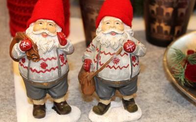 Dekoartikel aus der Weihnachtsaustellung 2012 - Weihnachtsmänner Figuren