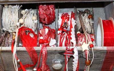 Dekoartikel aus der Weihnachtsaustellung 2012 - Bänder und Stoffe