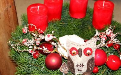 Dekoartikel aus der Weihnachtsaustellung 2013 - Adventskranz mit Eule