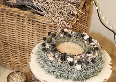 Dekoartikel aus der Mint-Kollektion der Weihnachts-Ausstellung 2015  - Kranz - Kerze - Teelichtglas