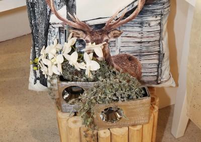 Dekoartikel aus der Natur-Kollektion der Weihnachts-Ausstellung 2015  - Elch - Kissen - Vase