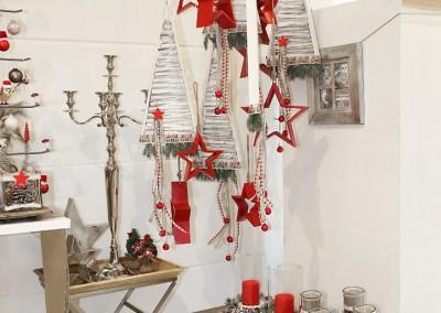 Dekoartikel aus der Rot-Weiß-Kollektion der Weihnachts-Ausstellung 2015  - Stern - Adventakranz - Kerze