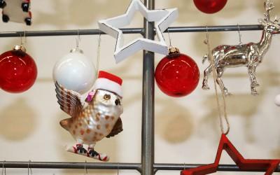 Dekoartikel aus der Rot-Weiß-Kollektion der Weihnachts-Ausstellung 2015  - Stern - Christbaumkugel - Eule