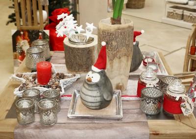 Dekoartikel aus der Rot-Weiß-Kollektion der Weihnachts-Ausstellung 2015 - Teelichtglas - Eule - Stern - Tischdeko
