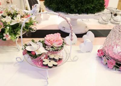 Dekoartikel der Frühlings-Ausstellung 2016 - Etagere - Blume - Rose