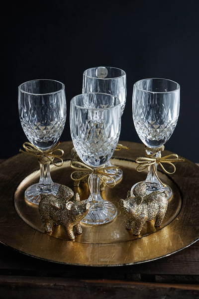 willenborg-deko-silvester-party-sektglas-schwein-gold1