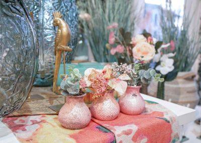 002-willenborg-deko-fruehling-ostern-boho-gold-mint-gruen-rosa-vase-eucalyptus