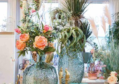 012-willenborg-deko-fruehling-ostern-boho-vase-kunstblumen-gold