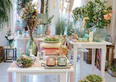 016-willenborg-deko-fruehling-ostern-boho-mint-gruen-vase-teelicht-pflanzen-kunstblumen-palme-golt-papagei