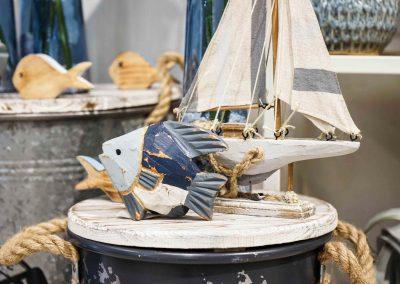 041-willenborg-deko-fruehling-ostern-maritim-holzfisch-fisch-segelboot-schiff