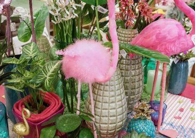 078-willenborg-deko-fruehling-ostern-tropical-sommer-tropisch-pink-rosa-pflanze-kunstblume-summer-gold-flamingo