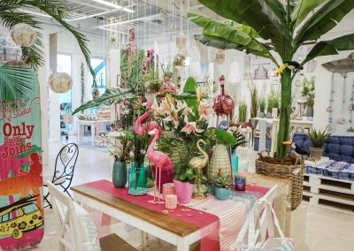 082-willenborg-deko-fruehling-ostern-tropical-sommer-tropisch-pink-rosa-pflanze-kunstblume-summer-gold-flamingo