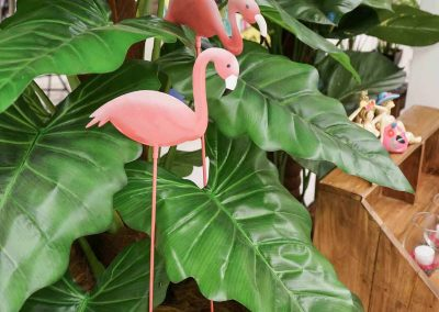 087-willenborg-deko-fruehling-ostern-tropical-sommer-tropisch-pflanze-kunstpflanze-palme-flamingo-pink