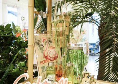 090-willenborg-deko-fruehling-ostern-tropical-sommer-tropisch-pflanze-kunstpflanze-palme-papagei-beach-bar-strand-getraenkespender-cocktail