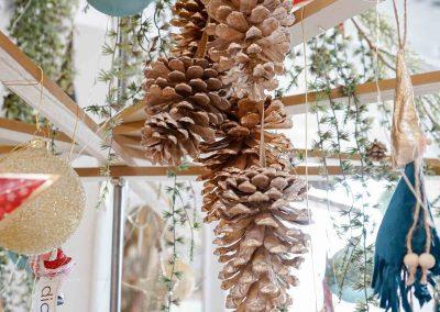 015-winter-weihnachten-deko-ausstellung-2019-willenborg-mannheim-zapfen-haenger-christbaum