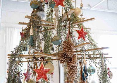 019-winter-weihnachten-deko-ausstellung-2019-willenborg-mannheim-zapfen-haenger-christbaum-sterne