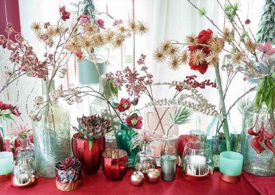 022-winter-weihnachten-deko-ausstellung-2019-willenborg-mannheim-kunstblumen-teelicht-vase-gold-apfel-sukkulente