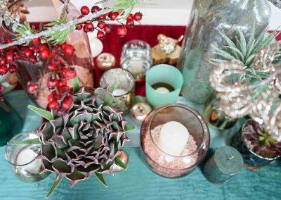 026-winter-weihnachten-deko-ausstellung-2019-willenborg-mannheim-kunstblumen-teelicht-vase-gold-sukkulente