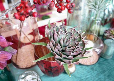 027-winter-weihnachten-deko-ausstellung-2019-willenborg-mannheim-kunstblumen-teelicht-vase-rosa-sukkulente
