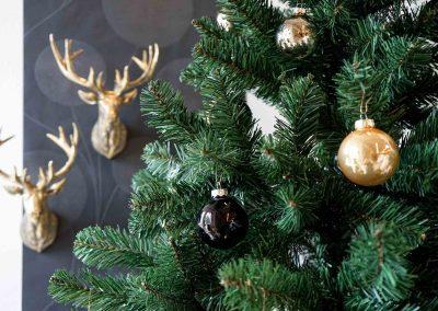 048-winter-weihnachten-deko-ausstellung-2019-willenborg-mannheim-gold-hirschkopf-tannenbaum-christbaum