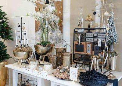 050-winter-weihnachten-deko-ausstellung-2019-willenborg-mannheim-gold-glamour-vase-laterne-industrial