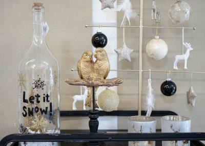053-winter-weihnachten-deko-ausstellung-2019-willenborg-mannheim-gold-glamour-vase-vogel-figuren-industrial
