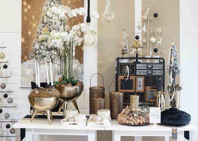 060-winter-weihnachten-deko-ausstellung-2019-willenborg-mannheim-gold-glamour-vase-laterne-industrial