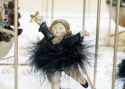 067-winter-weihnachten-deko-ausstellung-2019-willenborg-mannheim-gold-glamour-engel-feder