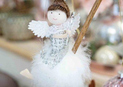 080-winter-weihnachten-deko-ausstellung-2019-willenborg-mannheim-rosa-romantik-cozy-christbaum-schmuck-fee