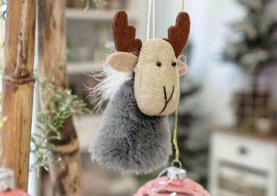 082-winter-weihnachten-deko-ausstellung-2019-willenborg-mannheim-rosa-romantik-cozy-elch-christbaum-schmuck-kugel