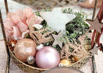 091-winter-weihnachten-deko-ausstellung-2019-willenborg-mannheim-rosa-romantik-cozy-christbaum-schmuck.kugel-stern