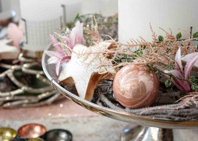 099-winter-weihnachten-deko-ausstellung-2019-willenborg-mannheim-rosa-romantik-cozy-kranz-christbaum-kugel-stern-kerze